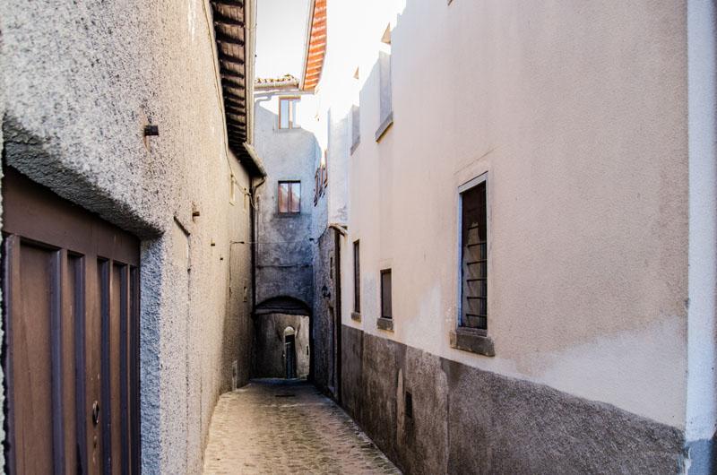Casa il sentiero la pietra antica for La pietra tradizionale casa santorini